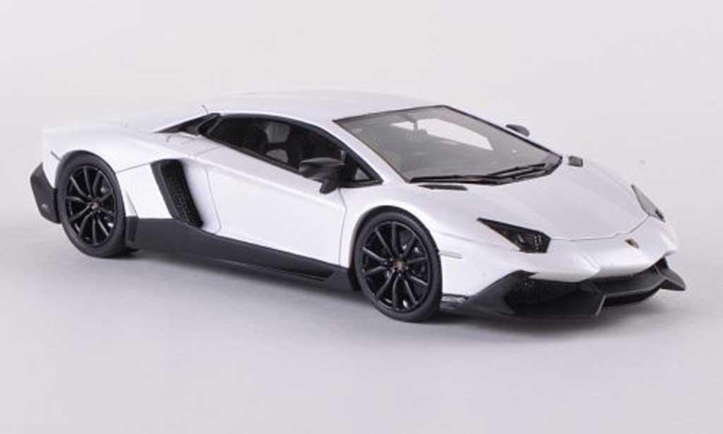 Lamborghini Aventador LP720-4 1/43 Look Smart met.mattwhite 50. Anniversary diecast model cars