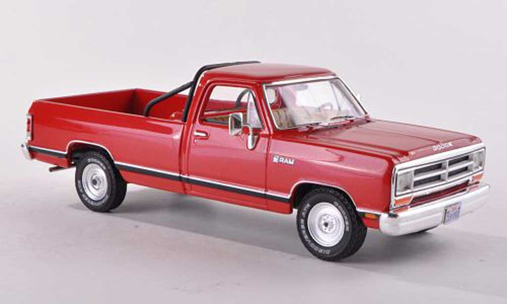 Dodge RAM 1/18 Premium X Pick Up rouge 1987 miniature