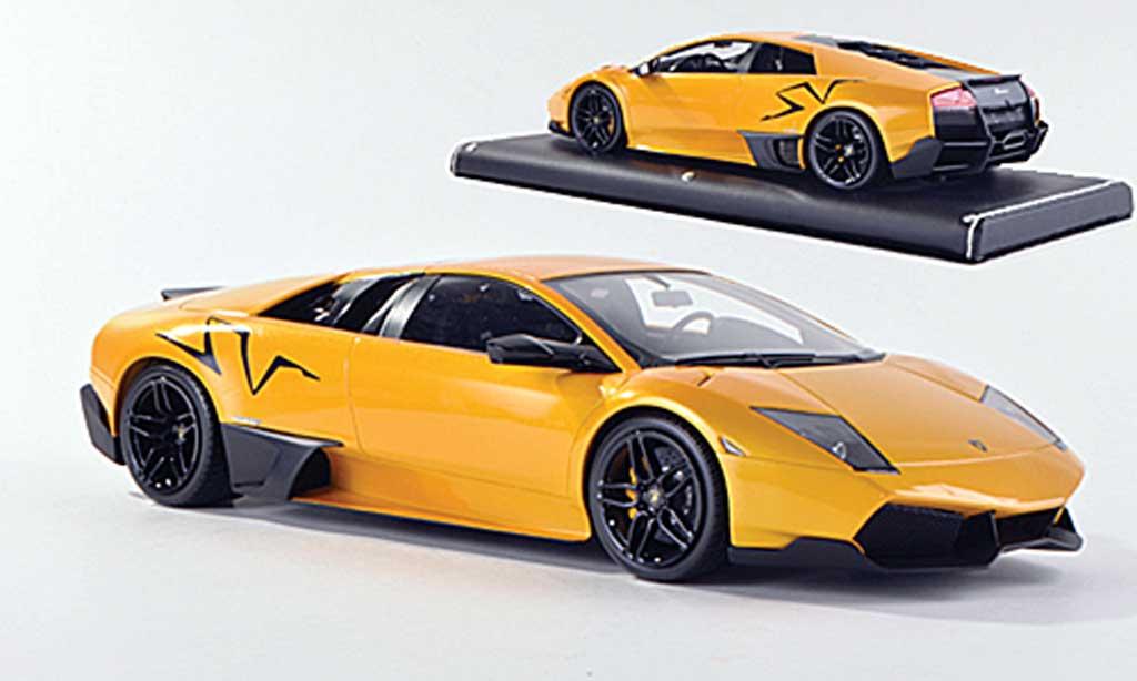 Lamborghini Murcielago LP670 1/18 MR Collection SV Fixed Wing jaune/matt noire miniature