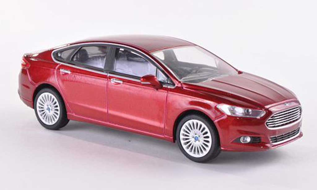 Ford Fusion 1/43 Greenlight rouge  2013 miniature