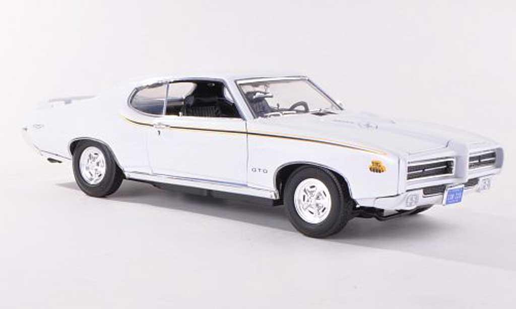 Pontiac GTO 1/18 Motormax Judge blanche 1969 miniature
