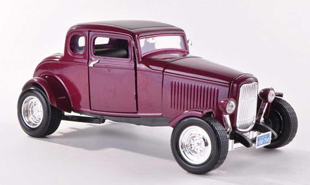Ford 1932 1/18 Motormax Five-Window Coupe lila miniature