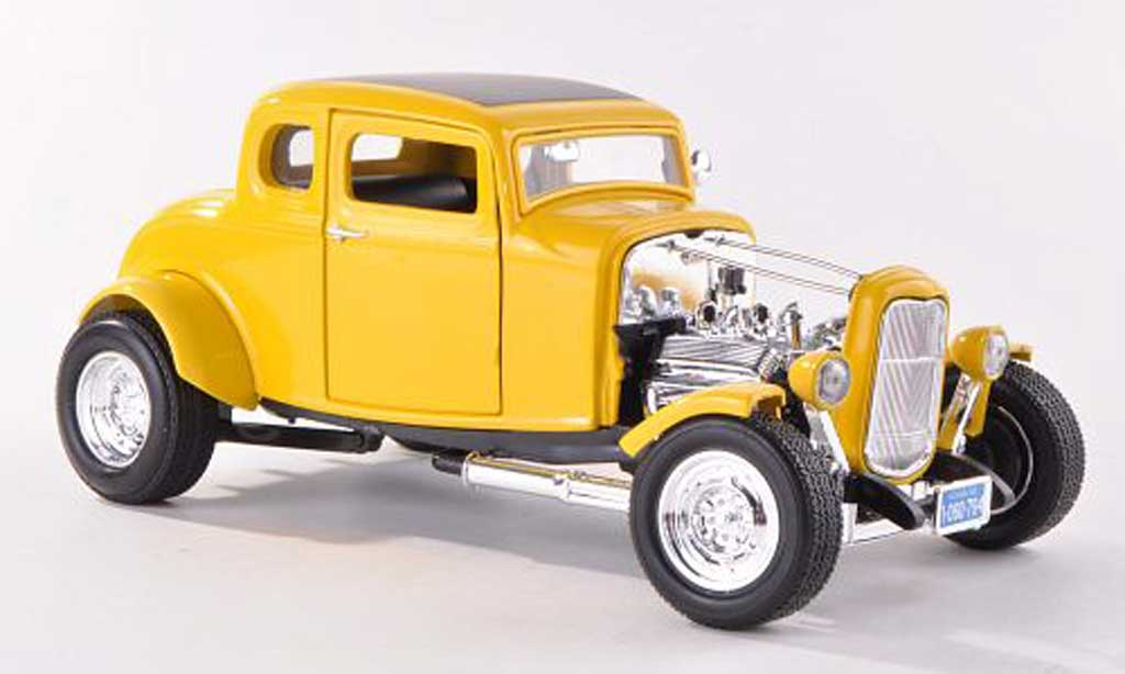 Ford 1932 1/18 Motormax Hot Rod yellow diecast model cars