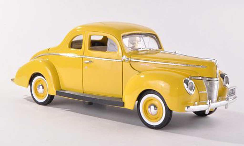 Ford Deluxe 1/18 Motormax jaune 1940