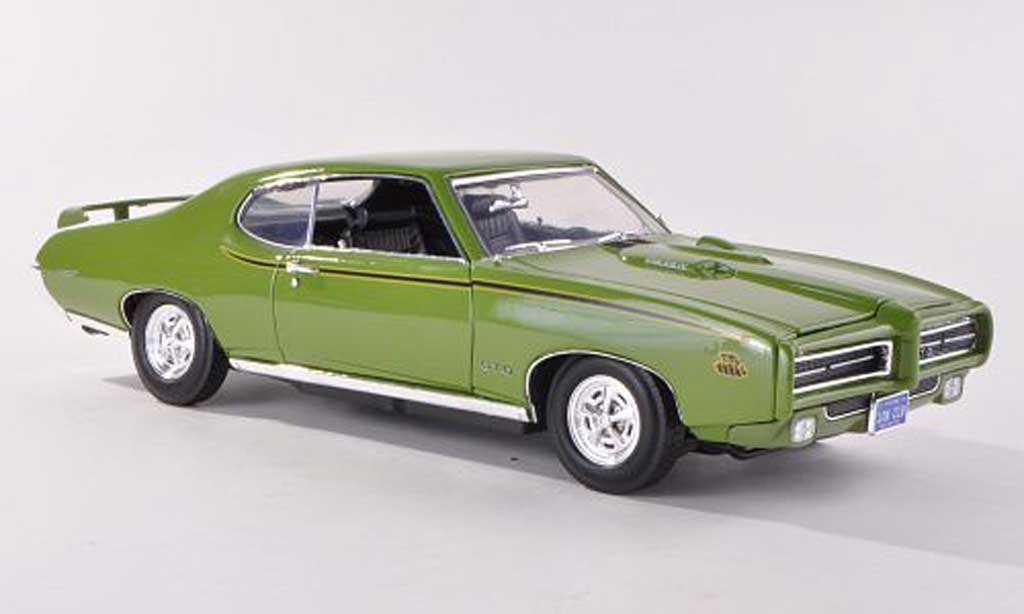 pontiac gto judge grun 1969 motormax modellauto 1 18. Black Bedroom Furniture Sets. Home Design Ideas