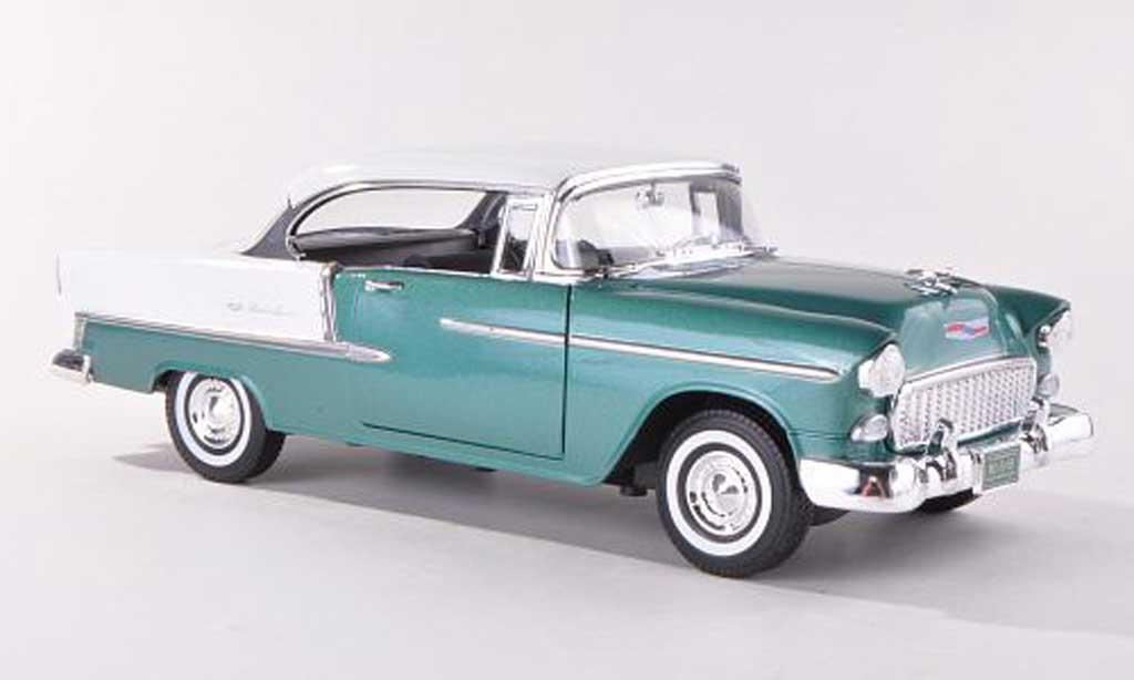 chevrolet bel air 1955 miniature hardtop verte blanche motormax 1 18 voiture. Black Bedroom Furniture Sets. Home Design Ideas