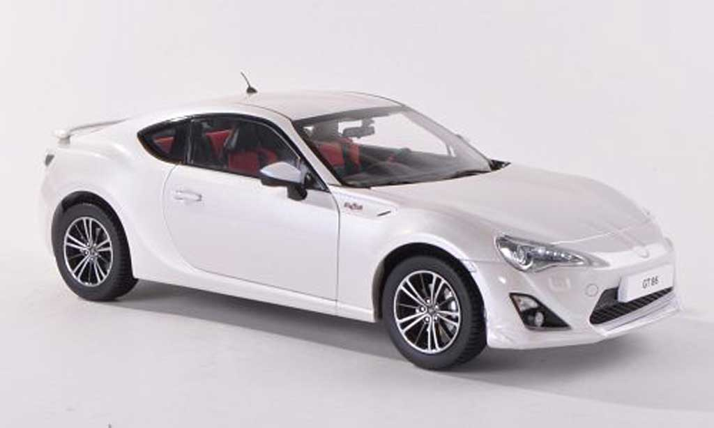 toyota 86 2012 gt86 white century dragon diecast model car. Black Bedroom Furniture Sets. Home Design Ideas