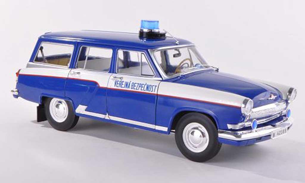 Wolga M22 1/18 IST Models police Prag 1971 miniature