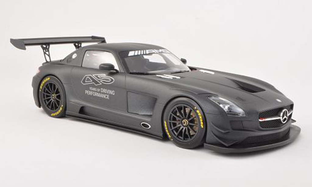 Mercedes SLS 1/18 Minichamps AMG GT3 45 Years of Driving Performance lumineuses-noire 2013 miniature