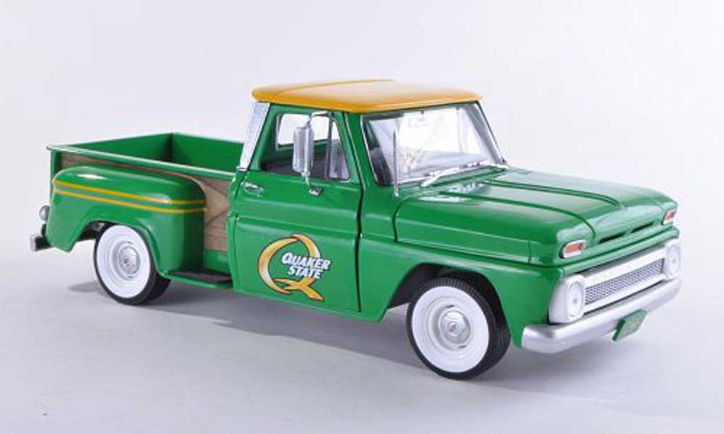 Chevrolet C-10 1/18 Greenlight Stepside Quaker State vert 1965 miniature