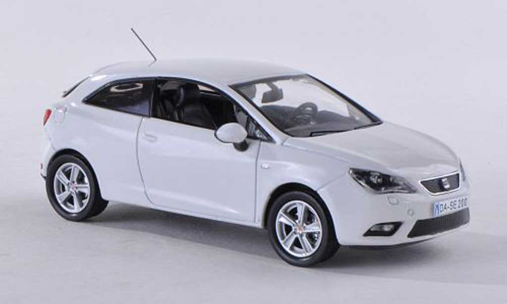 seat ibiza miniature sc blanche 2013 seat 1 43 voiture. Black Bedroom Furniture Sets. Home Design Ideas