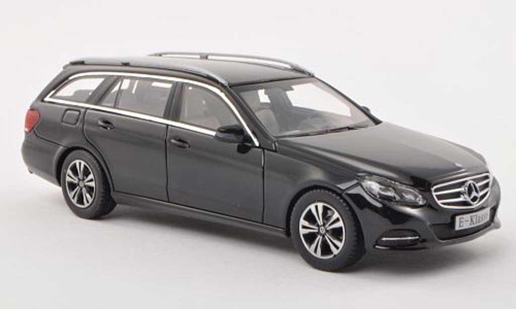 Mercedes Classe E 1/43 Kyosho T-Modele (S212) noire 2013 miniature