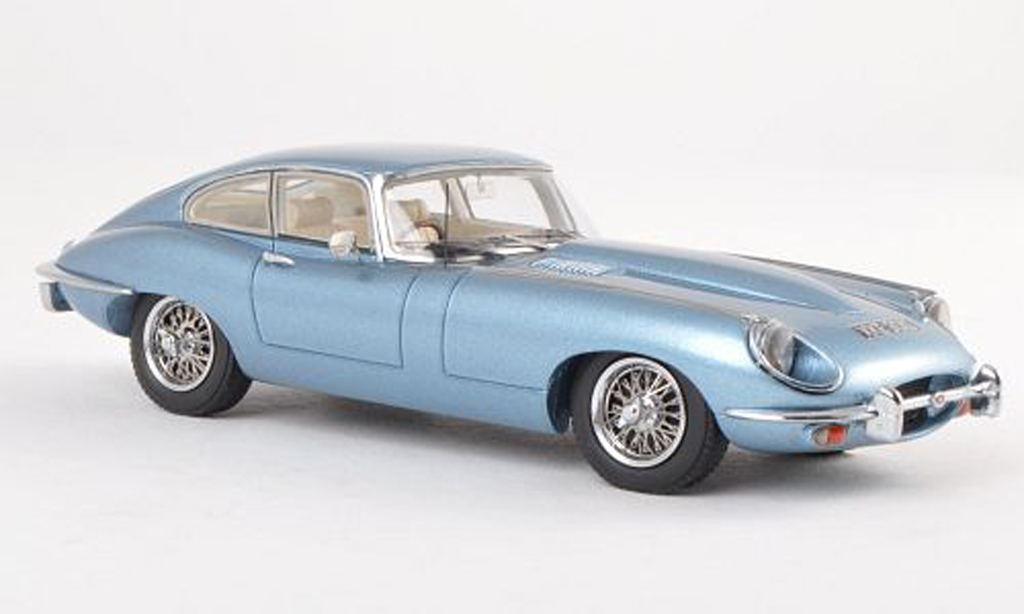 Jaguar E-Type 1/43 Matrix Series II clair-bleu miniature