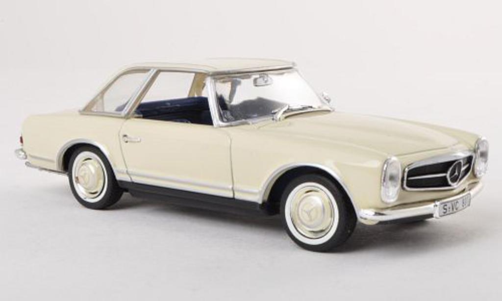 Mercedes CLA SL 1/43 Minichamps 230 (W113) clair-Ivoire miniature