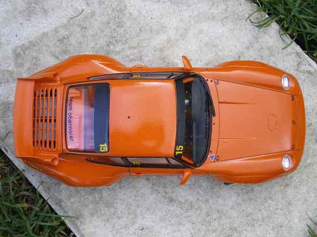 Porsche 993 GT2 1/18 Ut Models street version orange