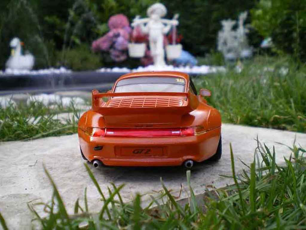 porsche 993 gt2 miniature street version orange ut models 1 18 voiture. Black Bedroom Furniture Sets. Home Design Ideas