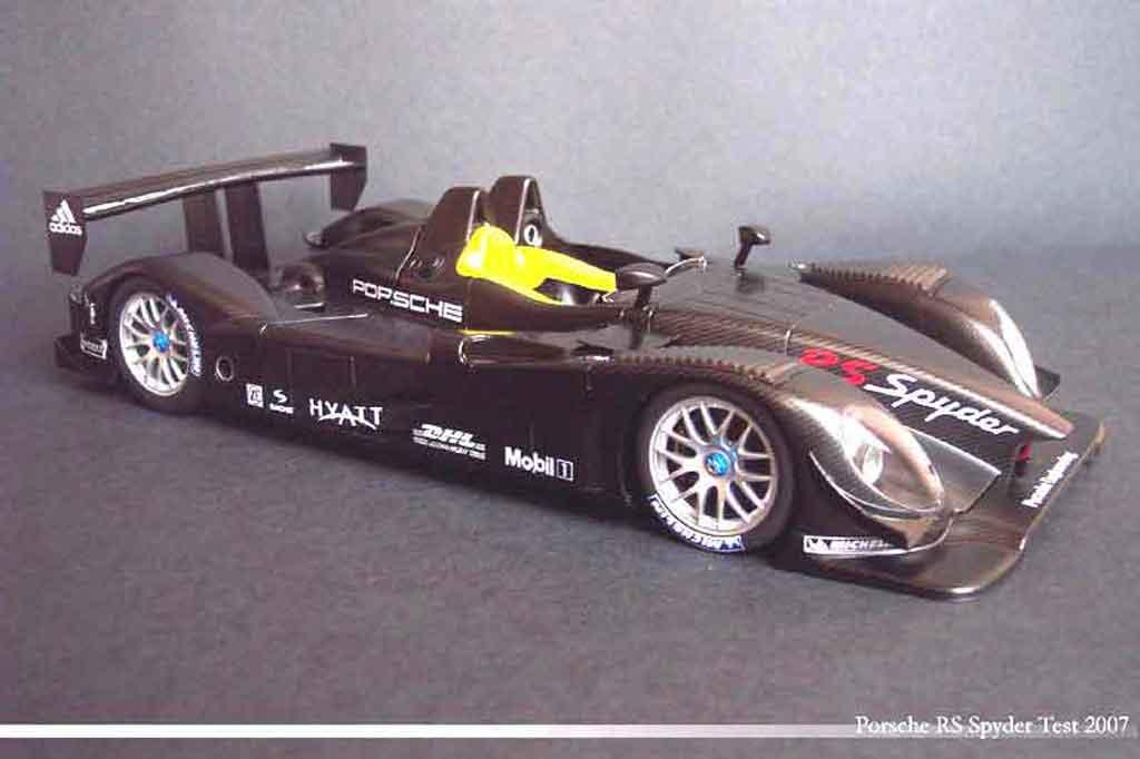 Porsche RS Spyder 1/18 Autoart presentation 07 carbone miniature