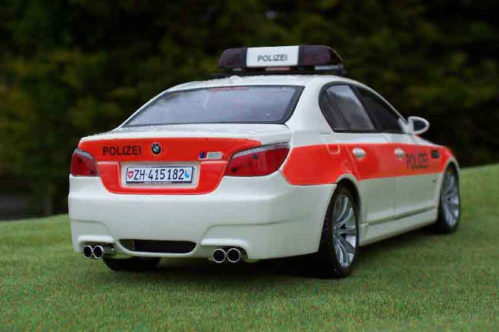 Bmw M5 E60 1/18 Maisto moto gp safety car / police / polizei