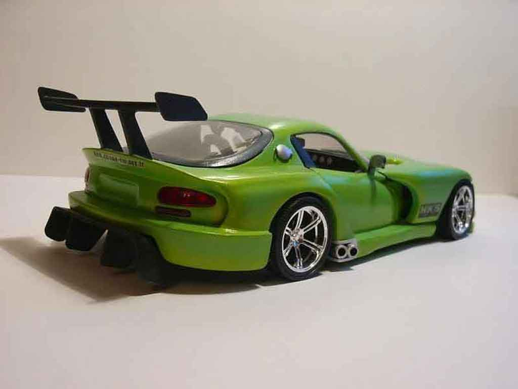 Dodge Viper RT 10 1/18 Burago rt 10 hydraconcept tuning miniature