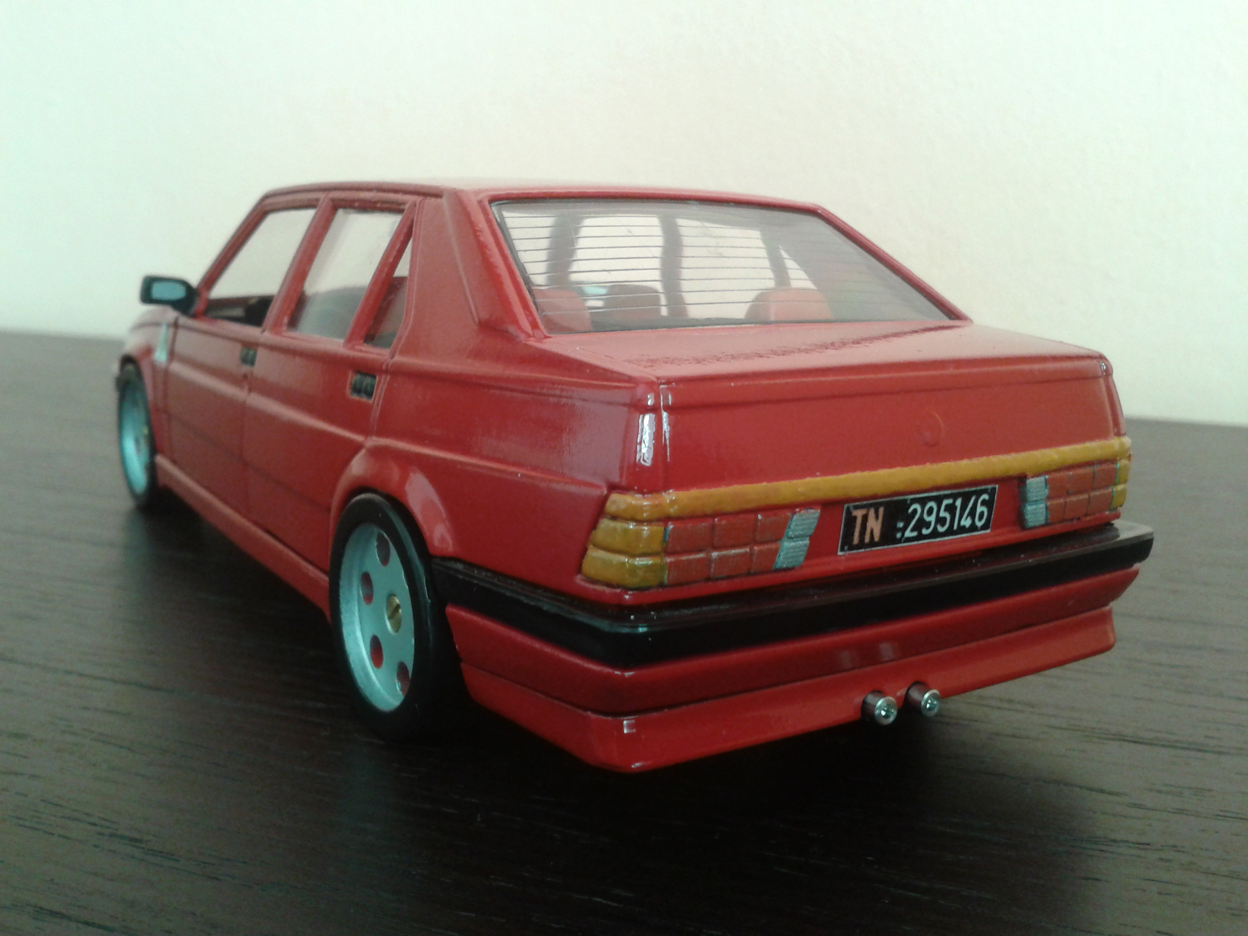 Diecast Model Cars Alfa Romeo 75 1 18 Burago Red Jantes Metal Alldiecast Us