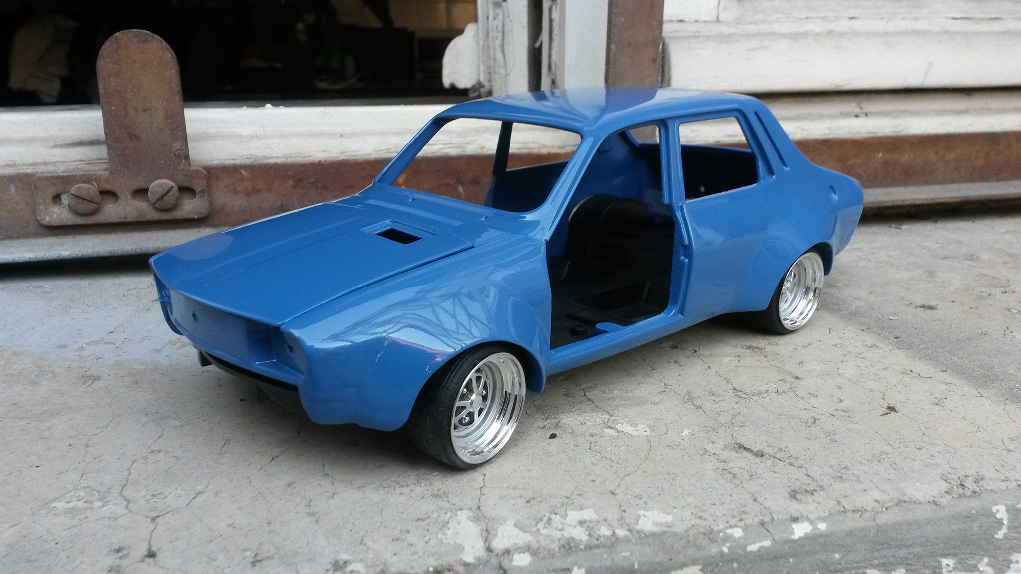 Renault 12 Gordini 1/18 Solido kit large groupe A