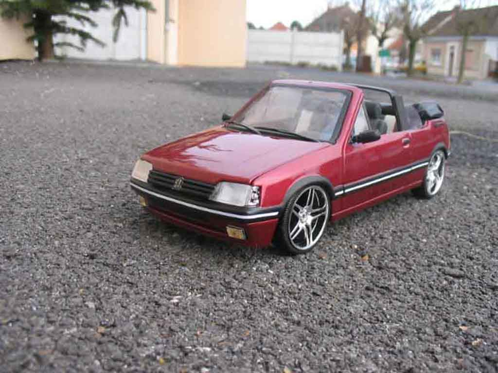 Peugeot 205 CTI 1/18 Solido red metallized