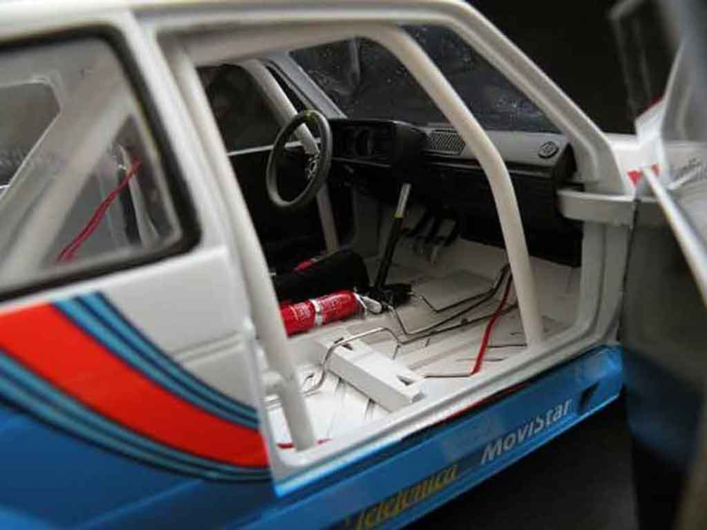 Volkswagen Golf 1 GTI 1/18 Solido competition