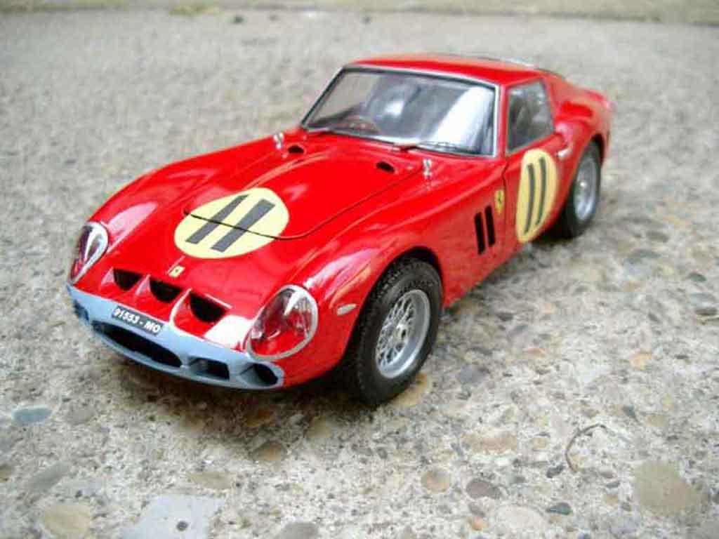 Ferrari 250 GTO 1963 1/18 Burago #11 tuning miniatura