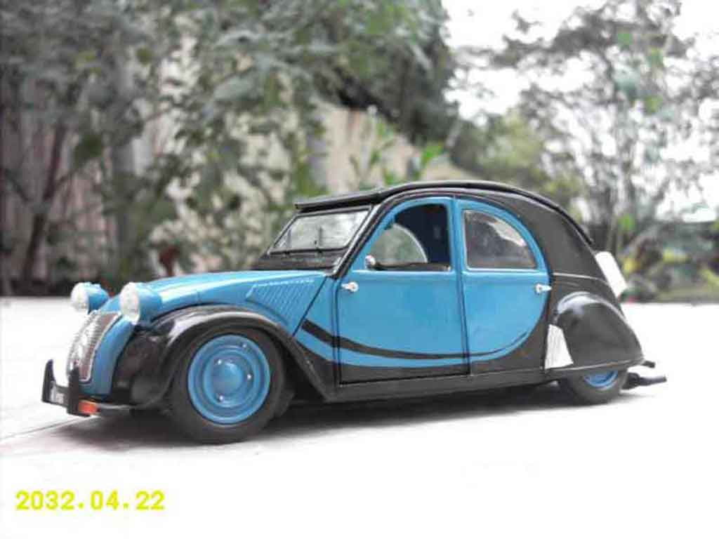 Citroen 2CV 1/18 Maisto old school tuning miniature