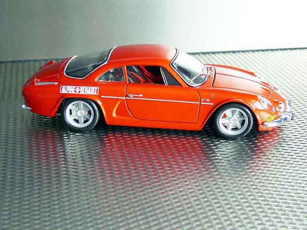 Alpine A110 1/18 Maisto 1600s rosso