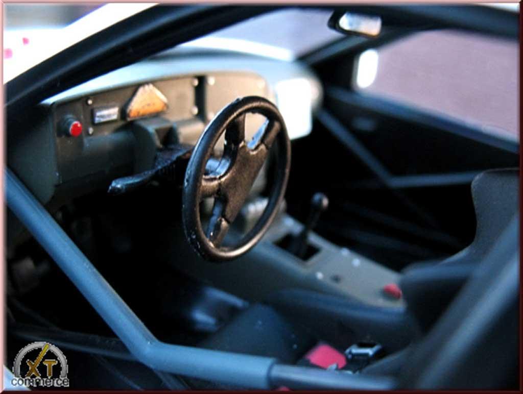 Opel Omega 1/18 Minichamps lotus 3000 blanche jantes 19 pouces bbs