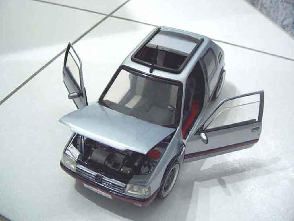 peugeot 205 gti miniature panoramique solido 1 18 voiture. Black Bedroom Furniture Sets. Home Design Ideas