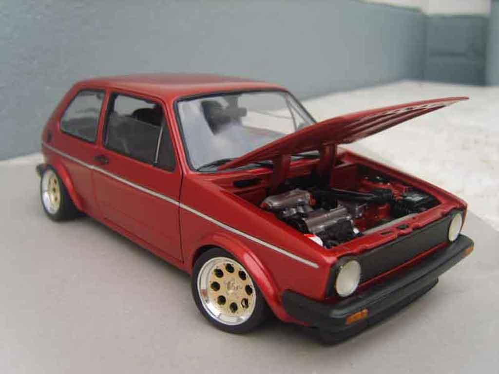 Volkswagen Golf 1 GTI 1/18 Solido rouge mk1 1982 grands feux