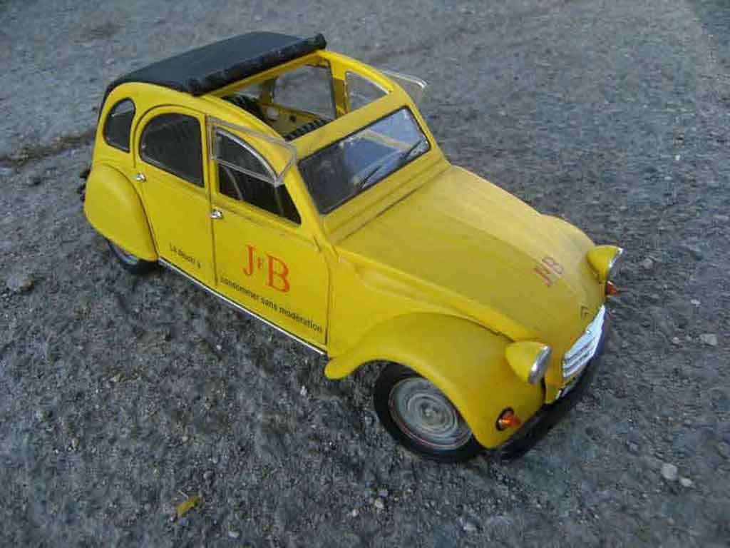 Citroen 2CV 1/18 Solido j&b 1966 tuning miniature