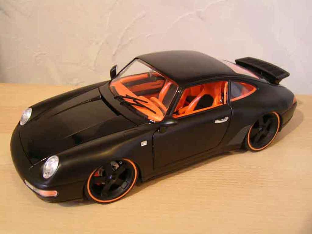 Porsche 993 Carrera 1/18 Burago Carrera 4 coupe noir tuning miniature