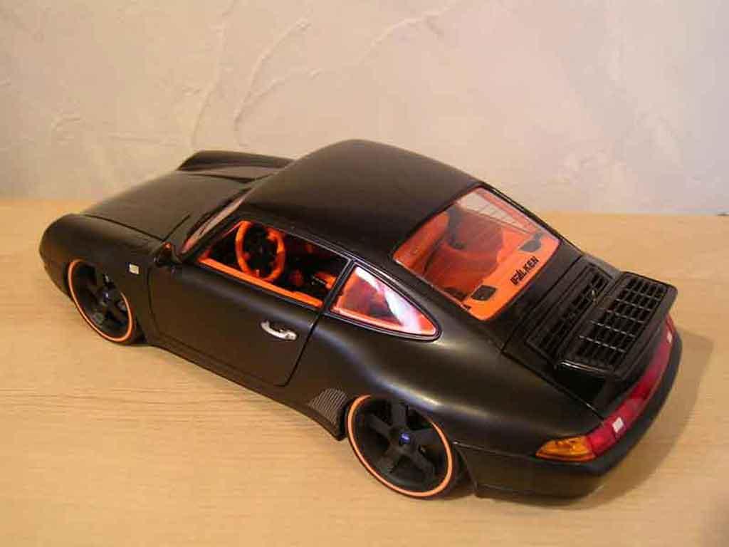 Porsche 993 Carrera 1/18 Burago 4 coupe noir
