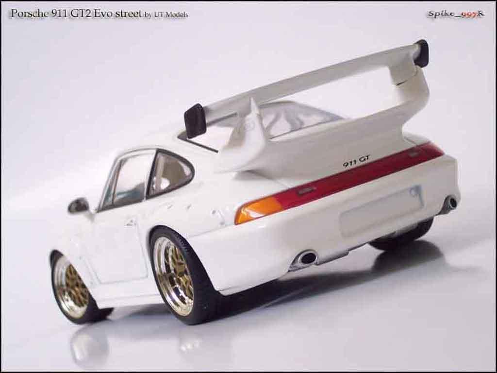Porsche 993 GT2 1/18 Ut Models evo street