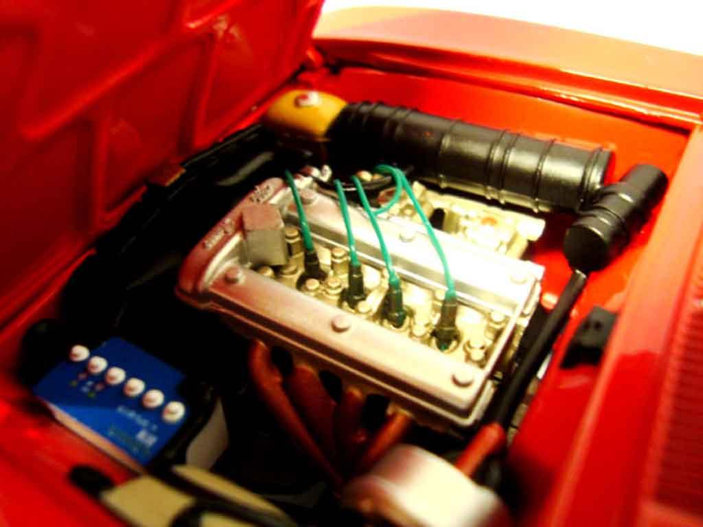Alfa Romeo 1750 GTV 1/18 Autoart 1967 red jantes alu 13 pouces
