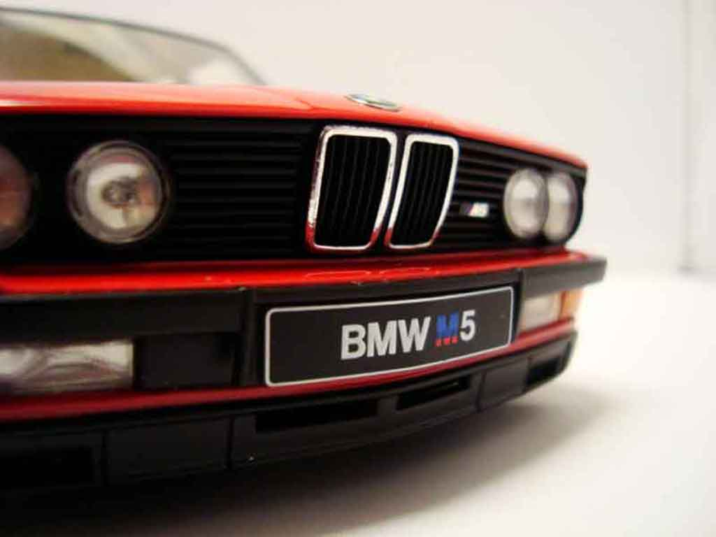 bmw m5 e28 rot felgen bbs 17 zoll autoart modellauto 1 18 kaufen verkauf modellauto online. Black Bedroom Furniture Sets. Home Design Ideas