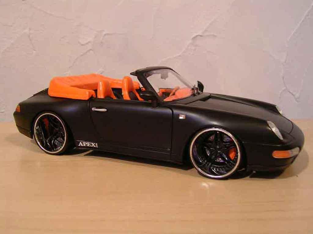 Porsche 993 Cabriolet 1/18 Burago Carrera nero