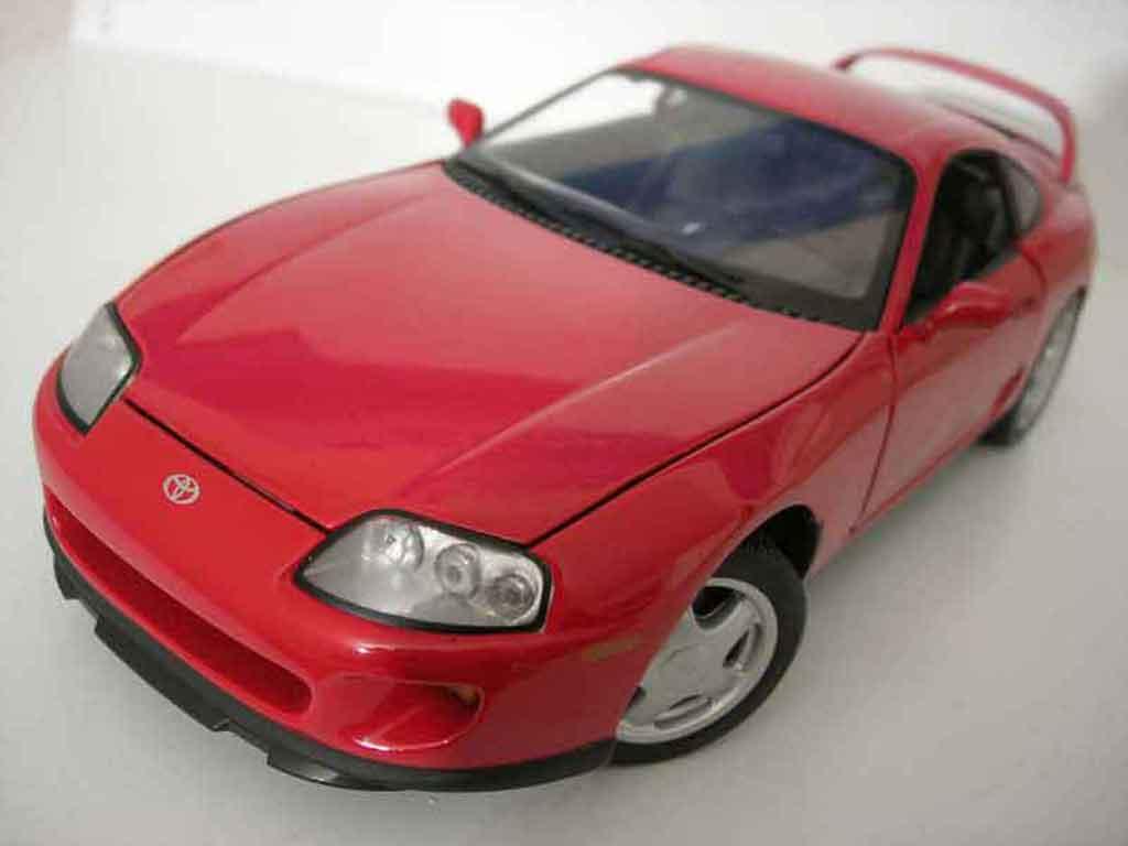 Toyota Supra 1/18 Kyosho mkiv rouge miniature