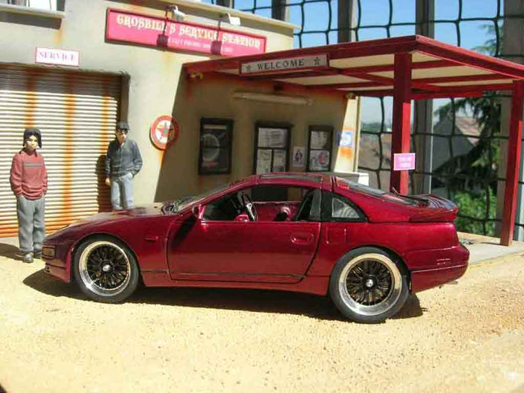 Nissan 300 ZX 1/18 Kyosho rosso