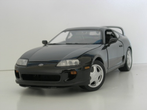 Toyota Supra 1/18 Kyosho noire miniature