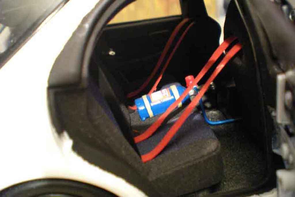 Subaru Impreza WRX Wagon 1/18 Autoart sti jdm weiss