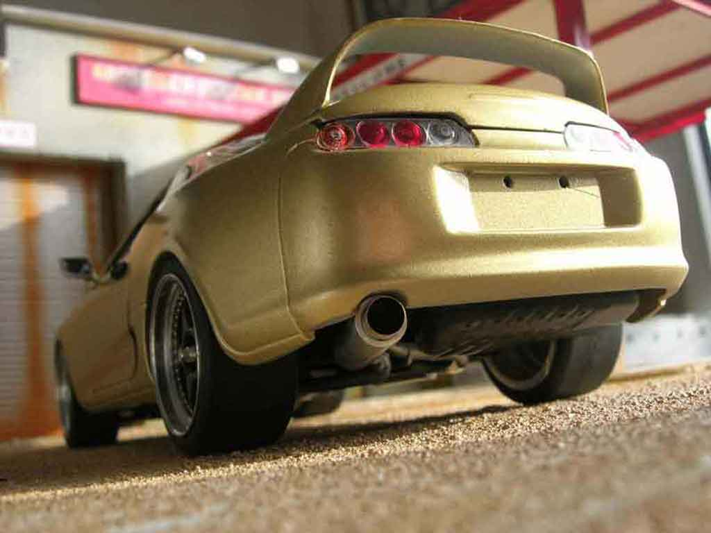 Toyota Supra 1/18 Kyosho top secret tuning modellautos
