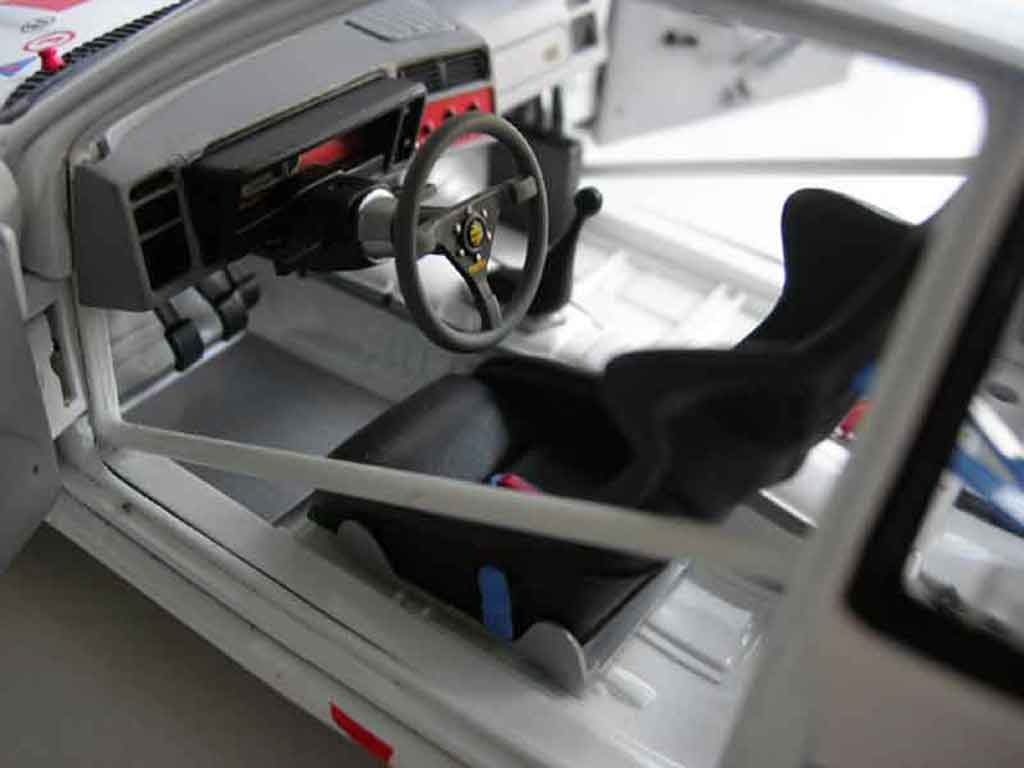 Ford Sierra RS 500 1/18 Minichamps a.hahne