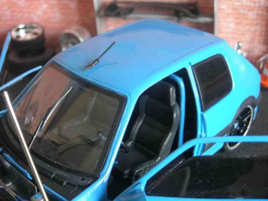 Auto miniature Peugeot 205 GTI Auto Tuning 93 bleue tuning Solido. Peugeot 205 GTI Auto Tuning 93 bleue Auto Tuning 93 miniature 1/18