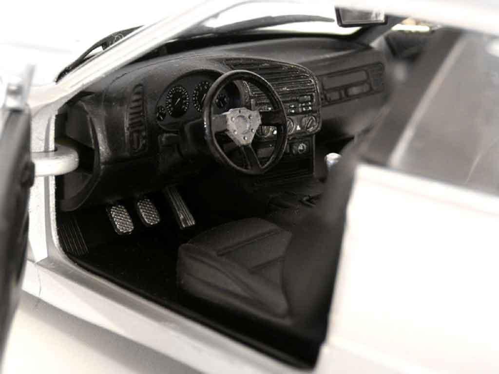 Bmw 325 E36 1/18 Ut Models e36 coupe gris jantes bmw x5