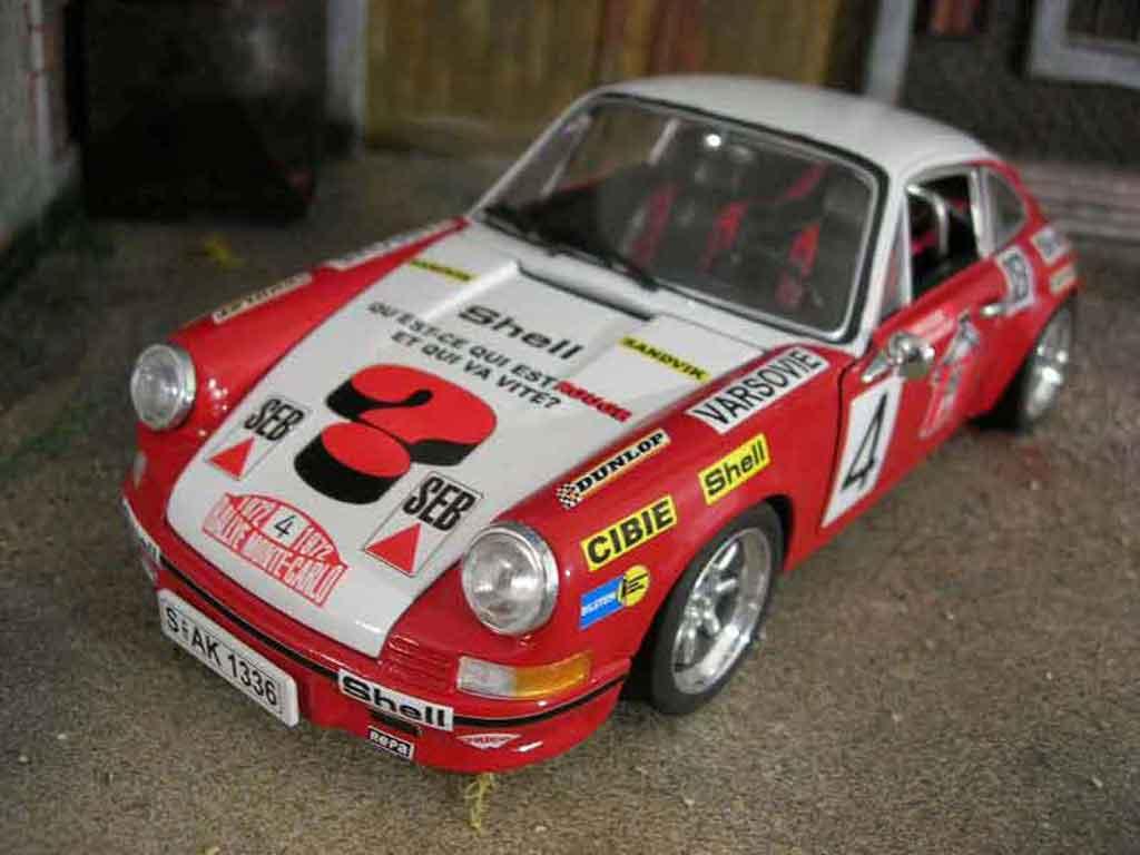 Porsche 911 2.4 1/18 Universal Hobbies monte carlo 1972