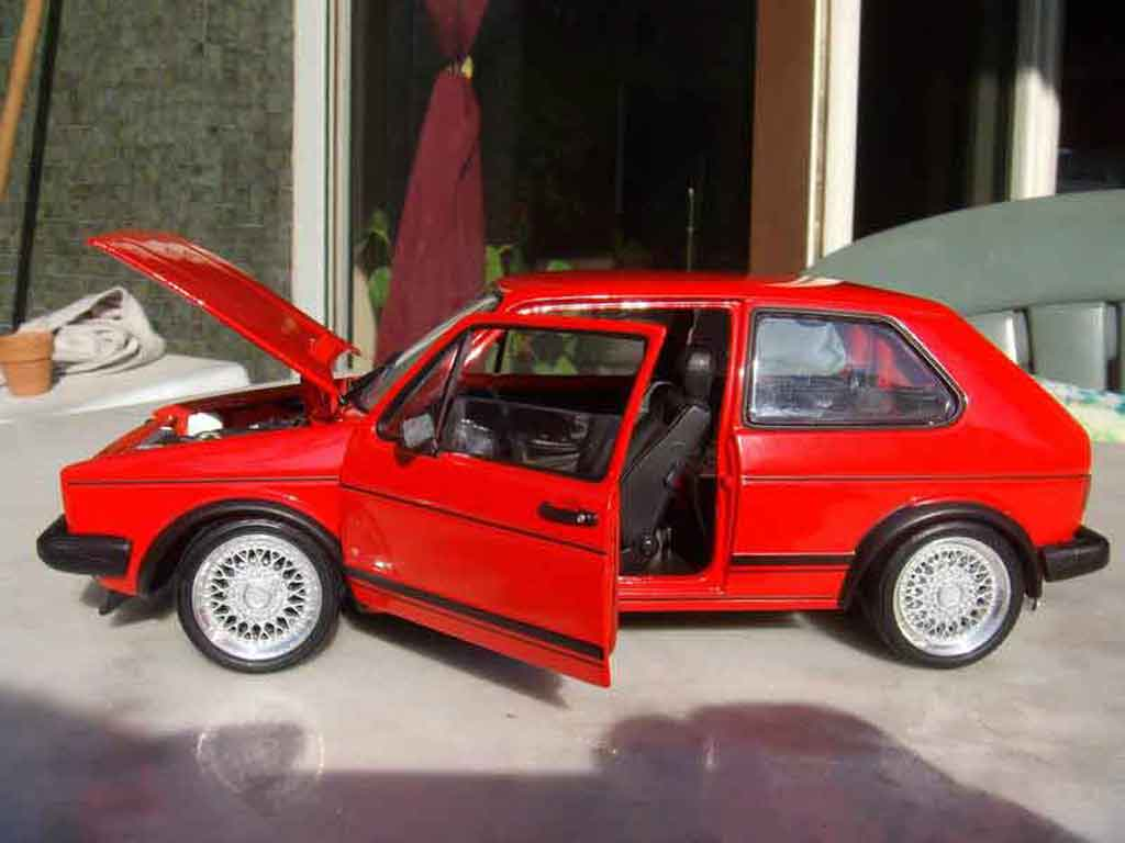 Volkswagen Golf 1 GTI 1/18 Solido rouge jantes bbs